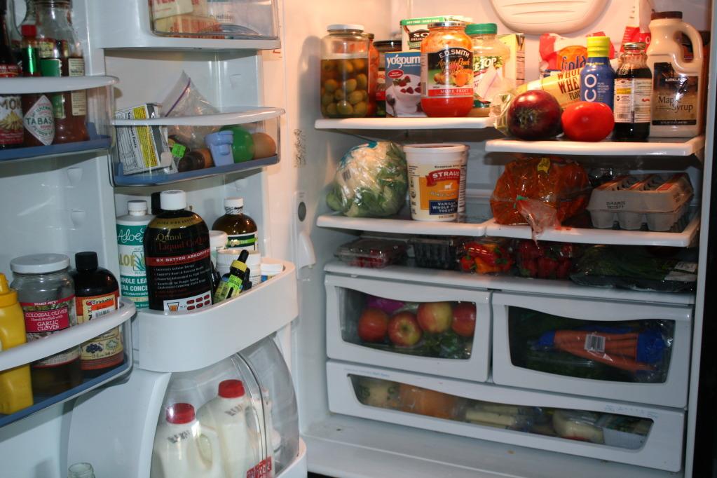 thức ăn nhiều trong tủ lạnh
